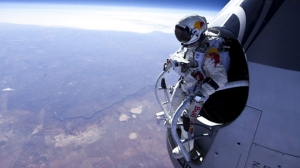 space-jump-ready-02